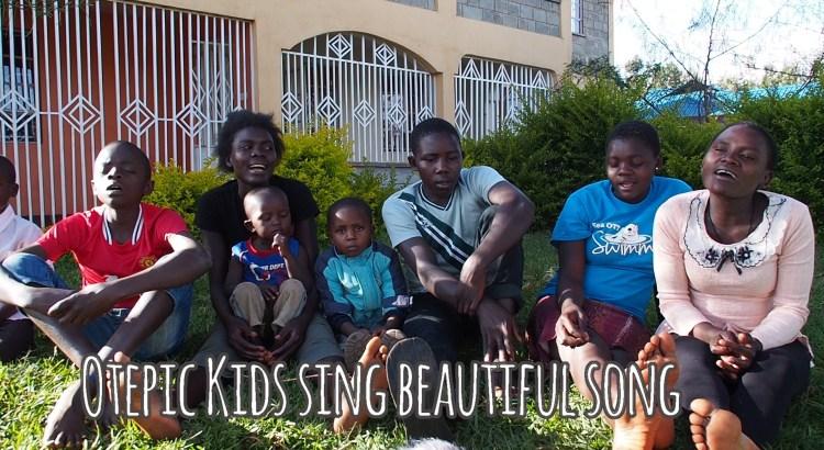 Otepic kids singnig