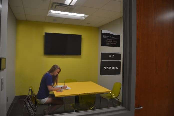Junior Laura Kirkman using one of the ten study rooms in Scianna Hall, the brand new business building. Kirkman is a Human Resources major from Satellite Beach, Florida. Alexandria Rodriguez/Student Printz
