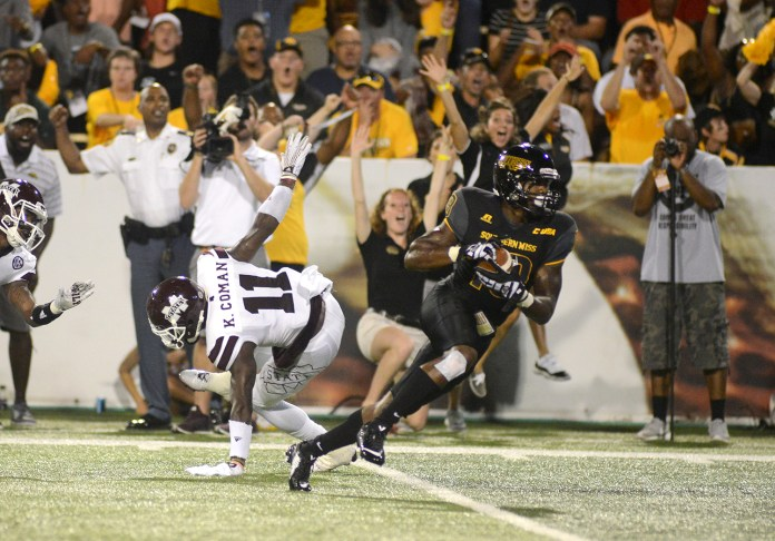 Southern Miss Korey Robertson receives a pass during the game played against Mississippi State in Hattiesburg on Saturday night.  Mary Alice Weeks/Student Printz