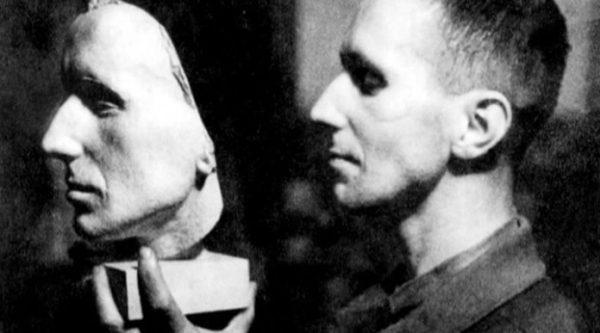 Teatro epico di B. Brecht e lo straniamento - Studia Rapido