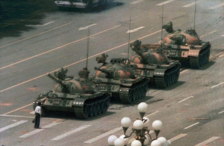 Man vs. Chinese tank Tiananmen square
