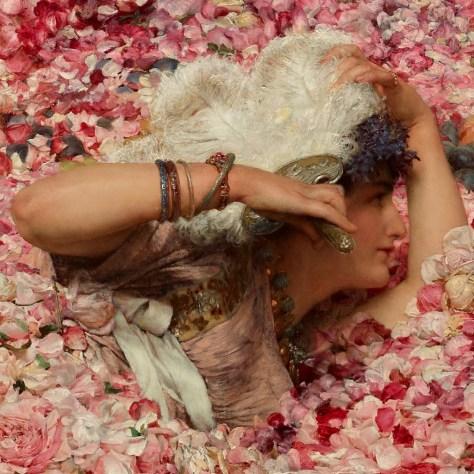 Cette femme semble s'amuser. Pourtant, on peut supposer qu'elle commence à trouver les fleurs encombrantes car elle se protège à l'aide d'un large éventail de plumes. Dans le même temps, elle regarde la femme inquiète, un peu plus loin. On peut se demander si elle ne commence pas à comprendre ce qui se passe.
