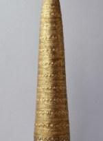 Cône d'Avanton Artefact datant de l'âge du bronze (v.2000 av. J.C. à 750 av. J.C.) Or. 53 cm de haut, 321 g. Découvert en 1844 à Avanton (Vienne) Saint-Germain-en-Laye, musée d'Archéologie nationale