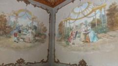 On pourrait croire qu'Antoine Watteau lui-même à décoré le palais.