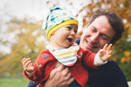 Babyfotografie Familienfotografie in der Natur