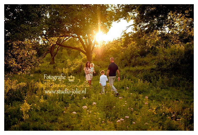 gezinsfotoshoot buiten op mooie locaties