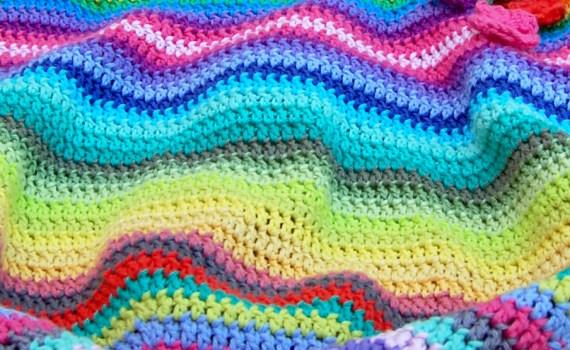gehaakte regenboog tas door studio paars