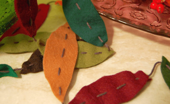 Studio Paars felt autumn leaves herfst slinger vilt