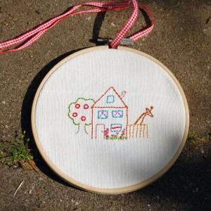 studio-paars-borduurring-huisje-boompje-beestje