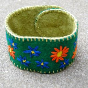 cuff-armband groen door studio paars