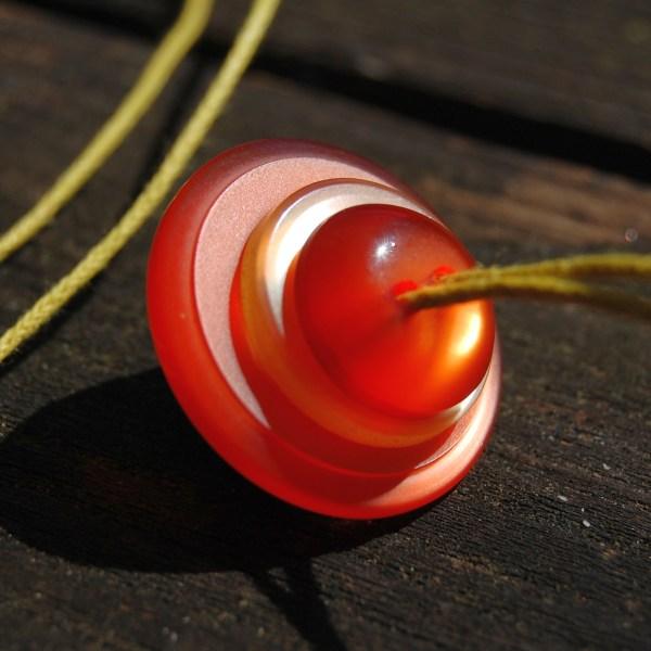 knopenketting #11 oranje geel door studio paars