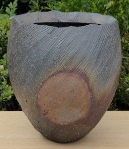 Kazuya Ishida Bizen fired vase with botamochi decoration.