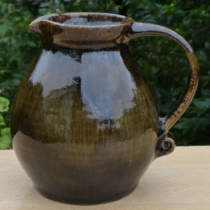 Michael Leach's Yelland Pottery stoneware jug with pottery seal only. Height: 12.2 cm (4.8 inches). Price £45