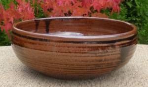 UM7 - Ursula Mommens (1908 - 2010): Large stoneware bowl with personal seal. The height is 8.4 cm (3.3 inches) and the maximum diameter is 21.6 cm (8.5 inches). £125
