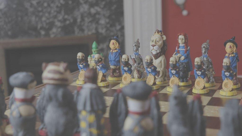 Wizard of Oz Chess Set