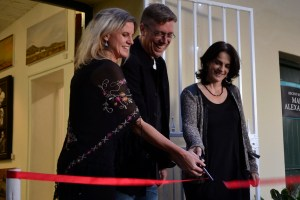 Lindy Marc and Donna cutting the ribbon at the Studio Art Gallery's grand opening