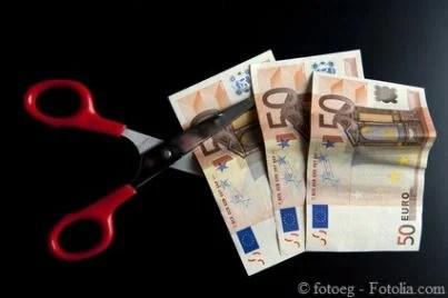 tagli soldi euro crisi sprechi
