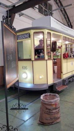 32-18 tram