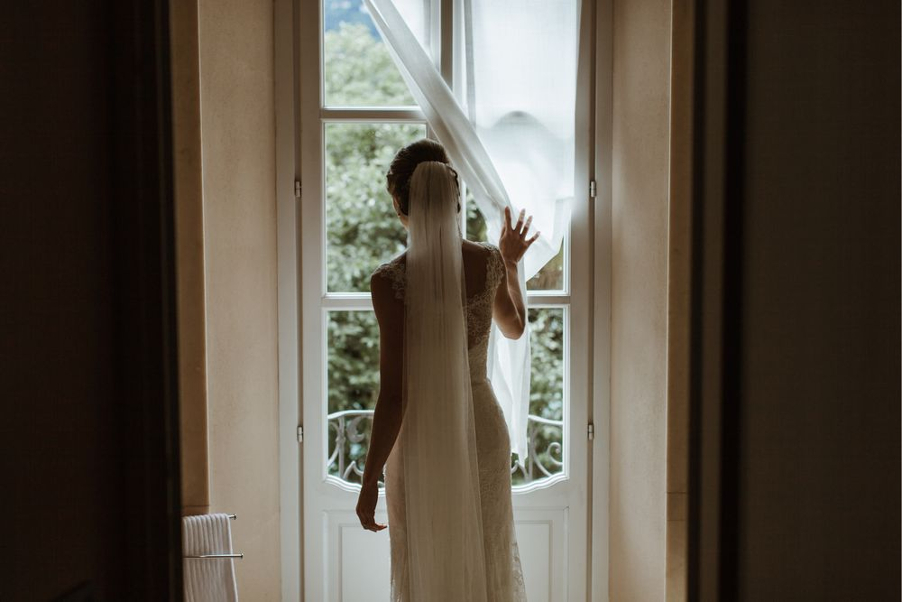 Bride getting ready at Villa Gippini, Lake Orta. Photo by DTstudio Italy wedding photographer