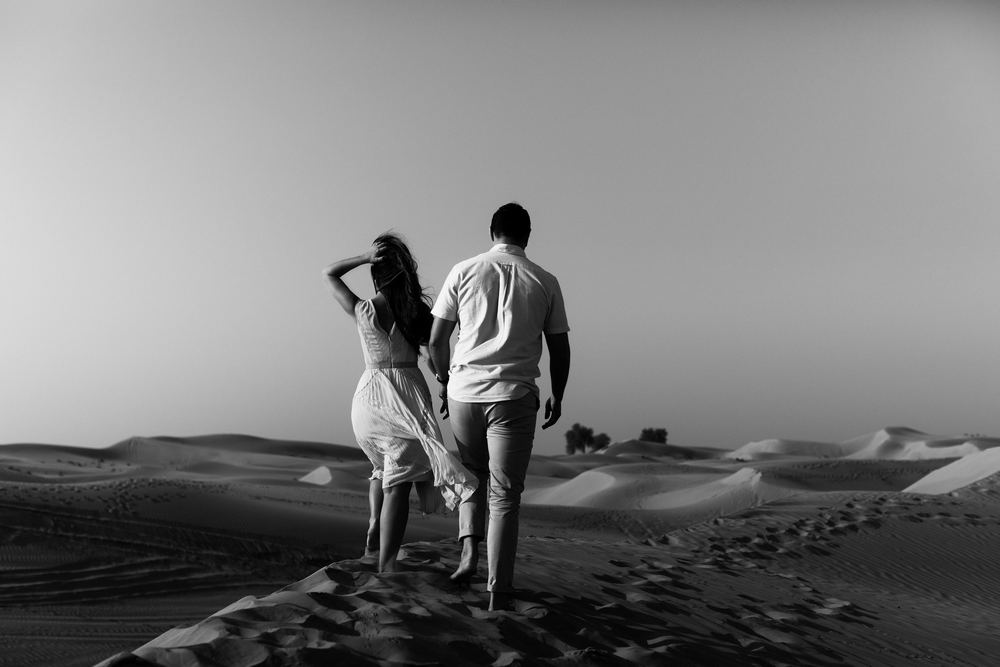 A young Irish couple in Dubai desert by Dubai wedding photography