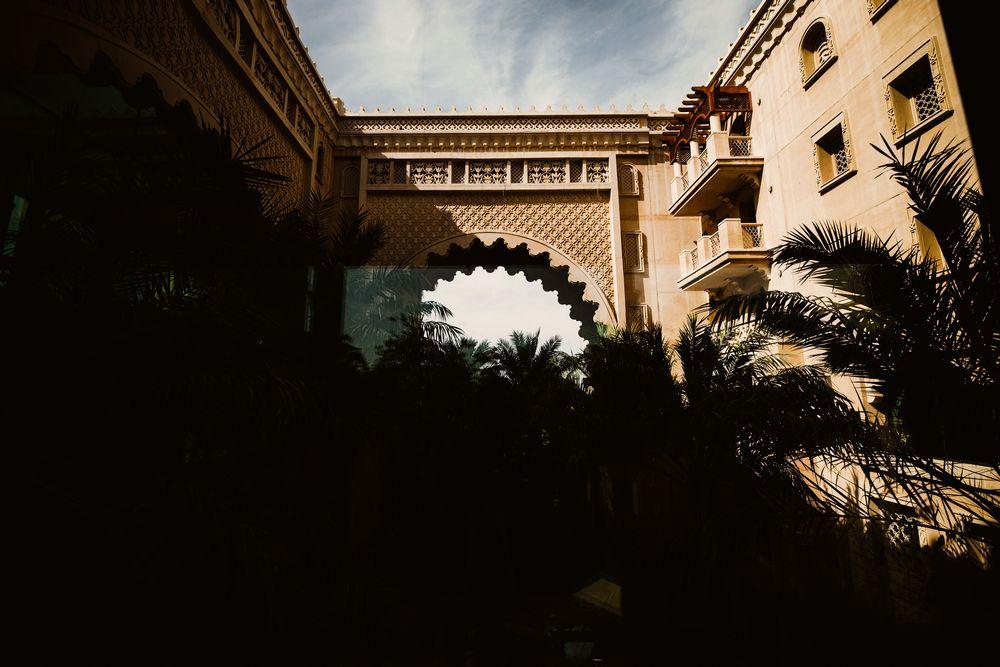 Sun & shadow in Madinat Jumeirah