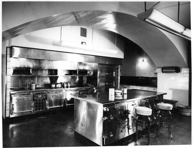 https://i1.wp.com/www.studiohausinc.com/wp-content/uploads/2016/11/1175px-Kitchen_Area_of_the_White_House-01-21-1948.jpg?resize=616%2C472&ssl=1