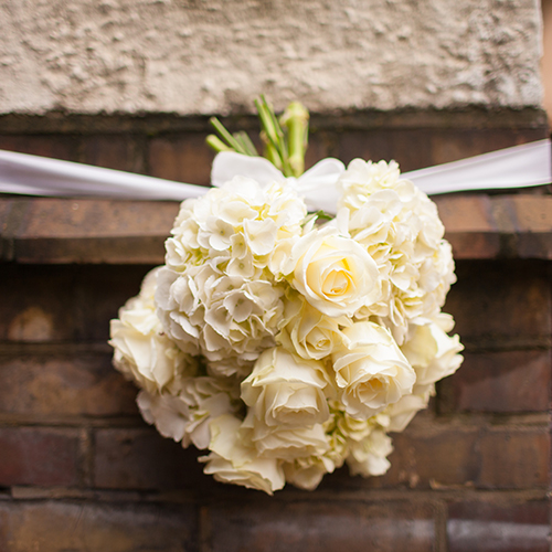Italian Wedding Planner in London - flower bouqet