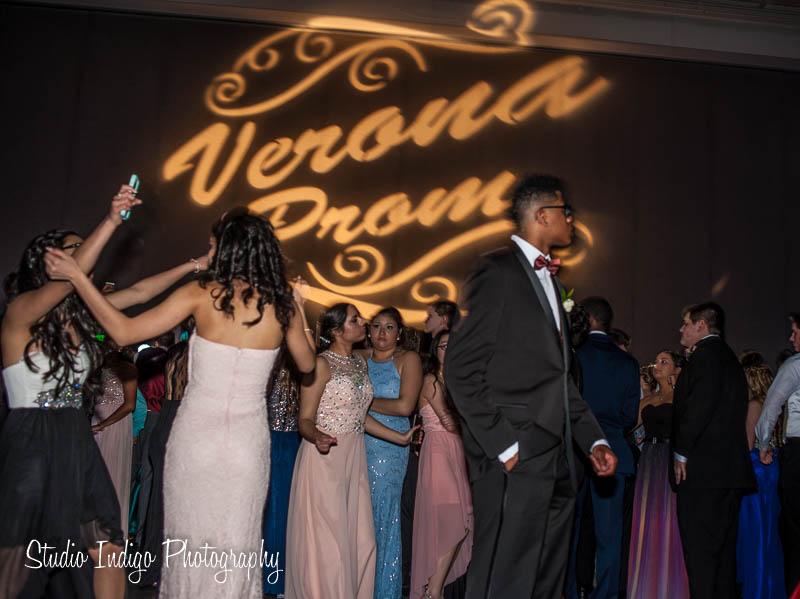 verona-junior-prom-2016-1