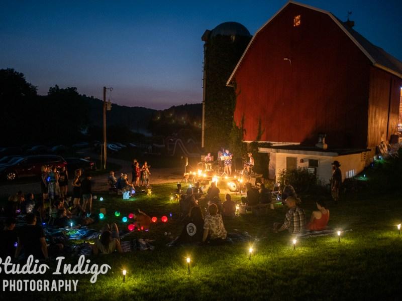 Kirsten and James' Barn Wedding – August 11, 2018