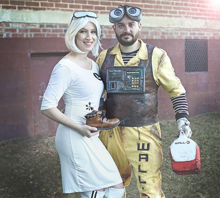 Peterson & Vanessa on Wall-E & Eve Halloween costumes & Gordon the English Bulldog
