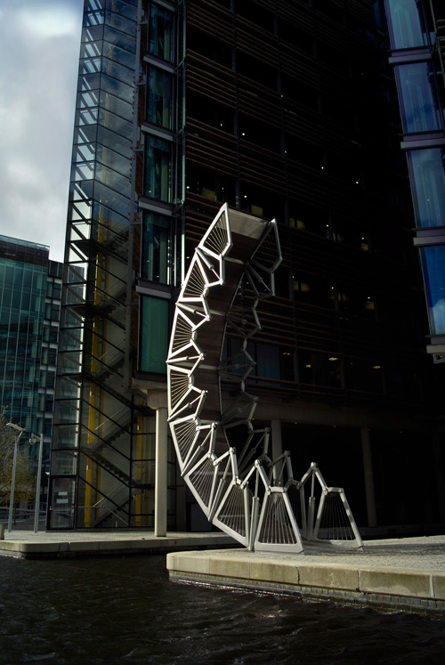 Thomas Heatherwick Art Is Like A Hovering Cloud Of