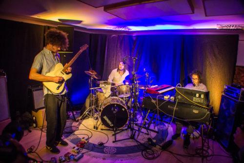 Spacepilto live im Studio Longboard