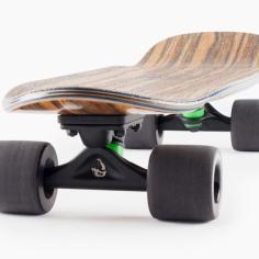 Landyachtz-Dinghy-Summer-Mini-Cruiser-Longboard-Skateboard-Angle-grip-1170×585