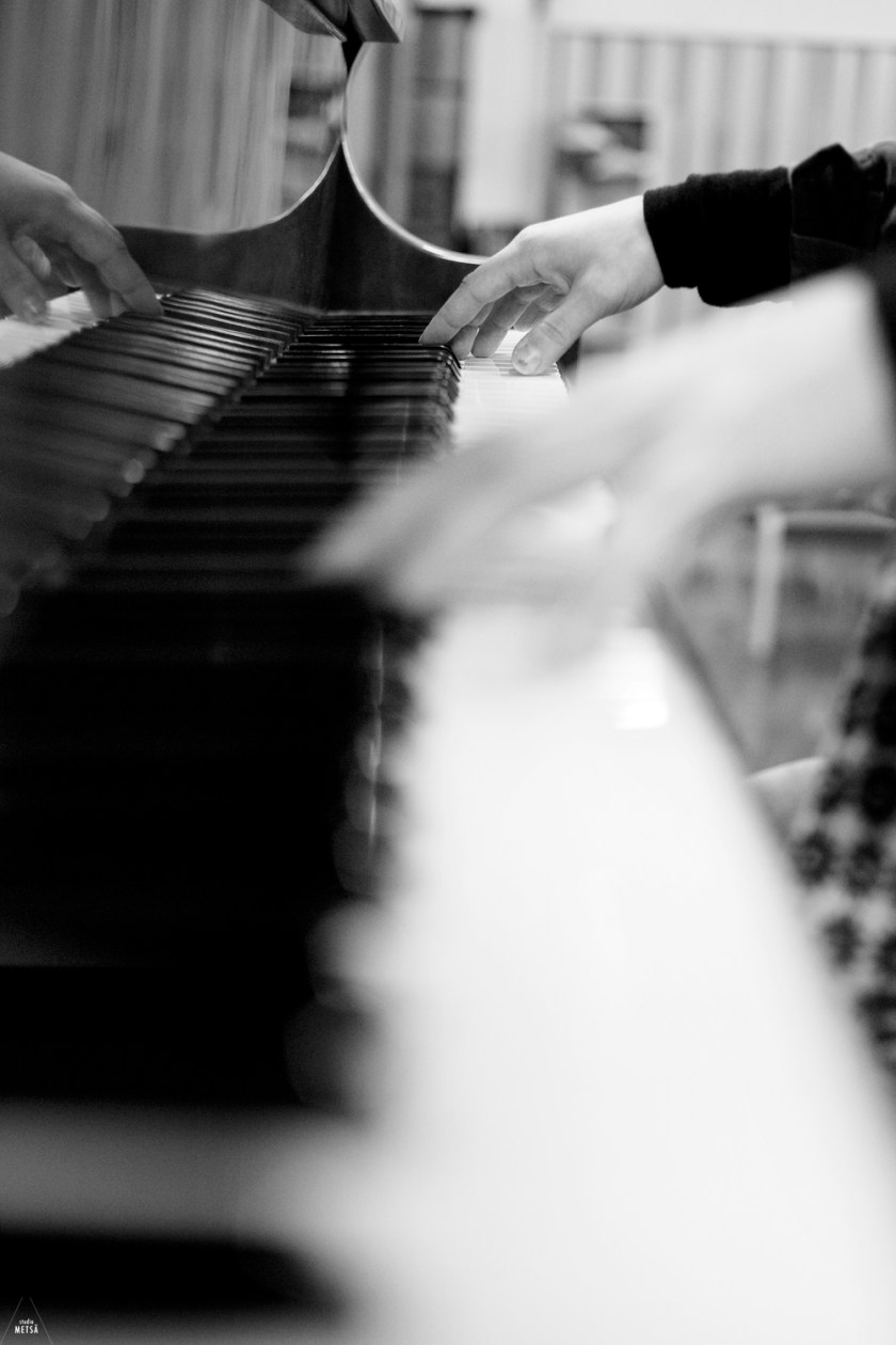 Girl playing the piano by Studio Metsä Photography
