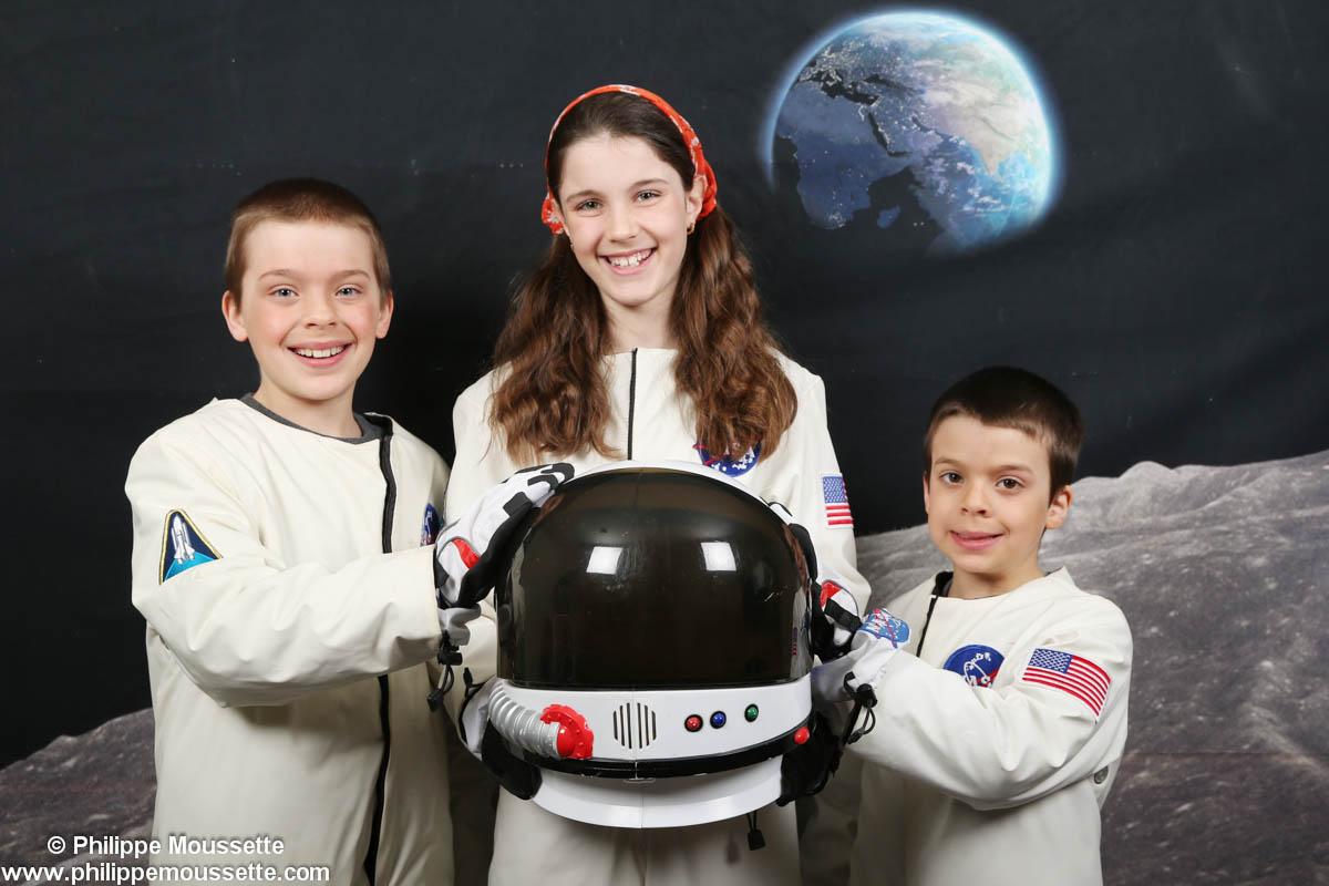 Trois enfants astronautes