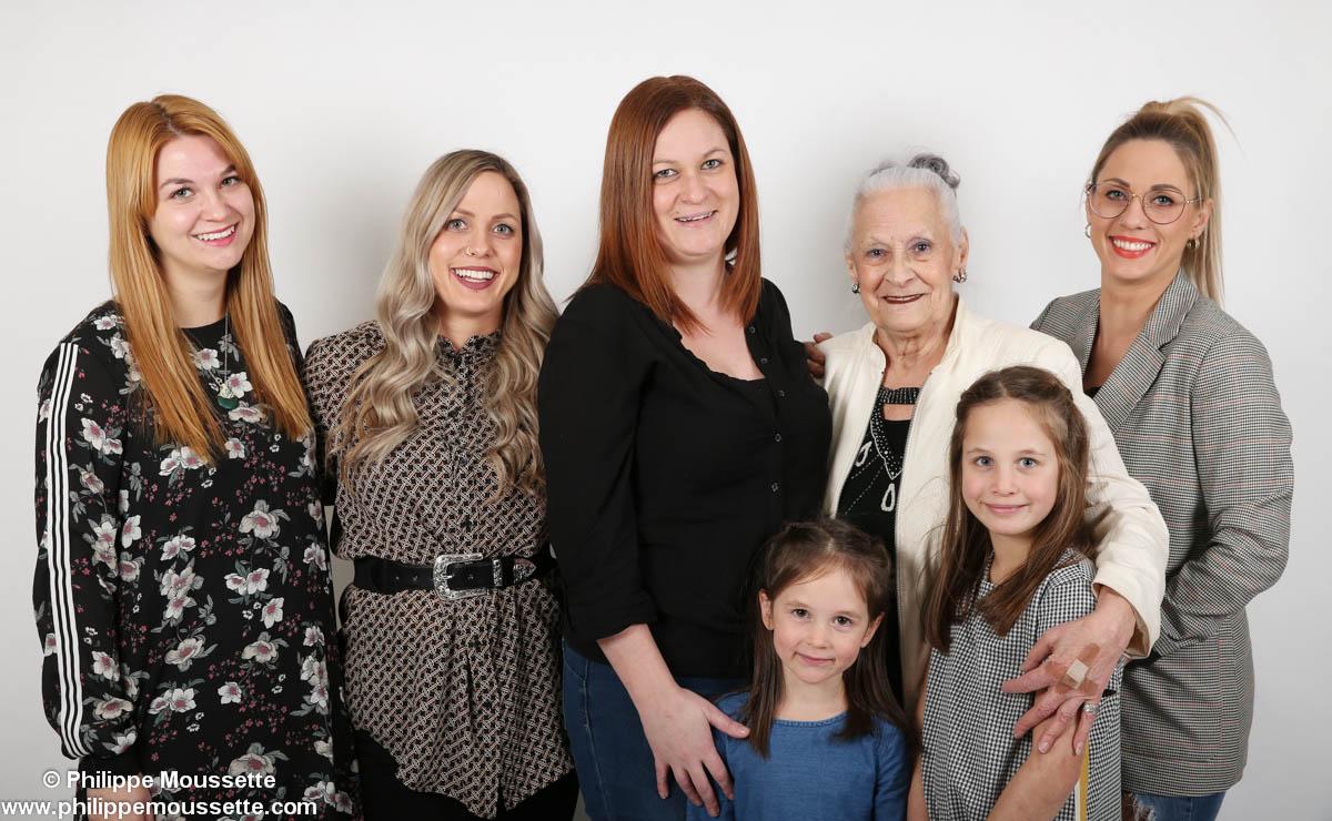 Famille de sept personnes