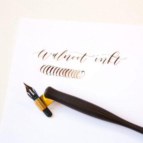 Walnoteninkt kalligrafie