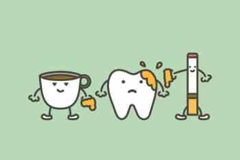 macchie estrinseche sui denti