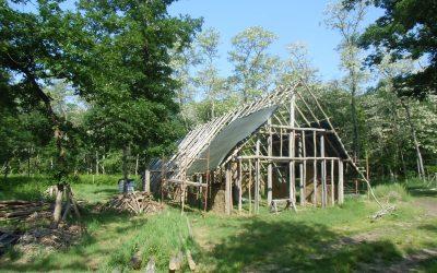 Feuilles vives #26 – L'Archéovillage : outil pédagogique pour un renouveau de l'archéologie populaire