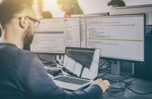 الفرق بين علوم الكمبيوتر ونظم المعلومات الحاسوبية - Computer ...