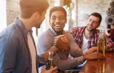 Meeting new friends at bar