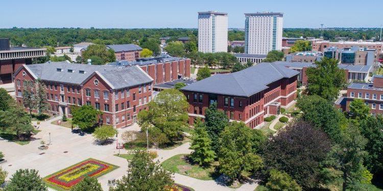 Illinois State University 伊利諾州立大學