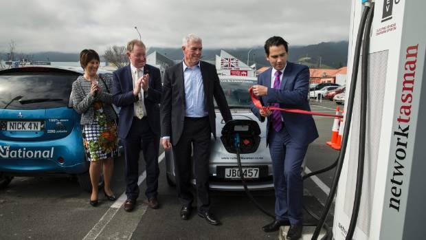 West Coast-Tasman List MP Maureen Pugh, Nelson MP Dr Nick Smith, Network Tasman chairman John McCliskie and Transport ...