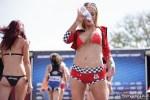 jolie fille du 36 montre ses gros nichons nue en photo