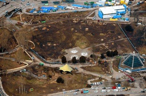 Baustelle Mittlerer Schlossgarten von oben: Klicken Sie sich durch weitere Bilder von den Baumfällarbeiten. Foto: dapd