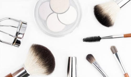 brush-brushes-cosmetics