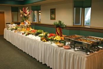 wedding-buffet-ideas-How-to-set-up-wedding-buffet-table