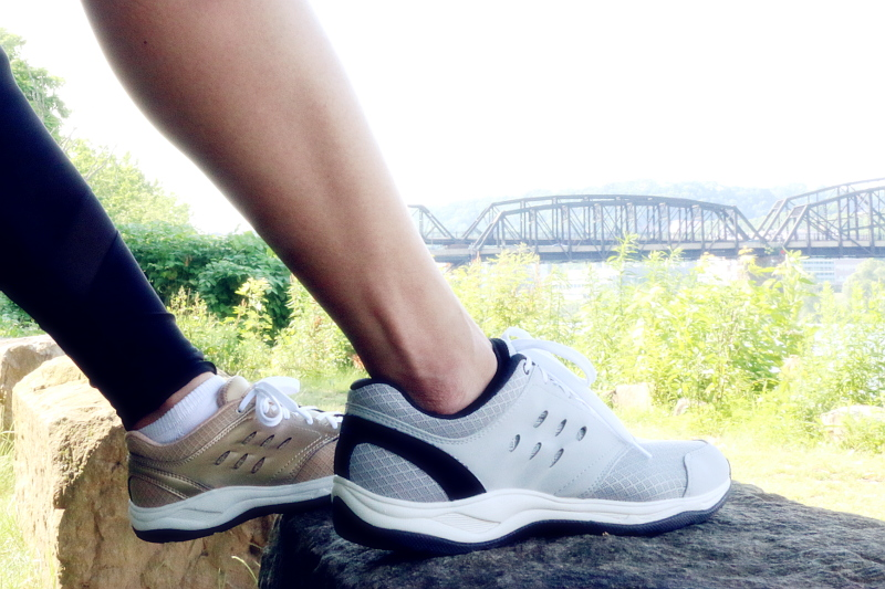workout, activewear, his her shoes, vionic shoes, workout couple