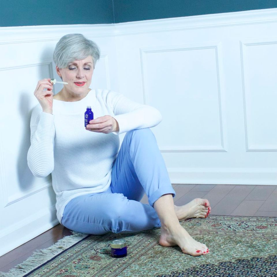 neal's yard remedies frankincense lift serum and cream