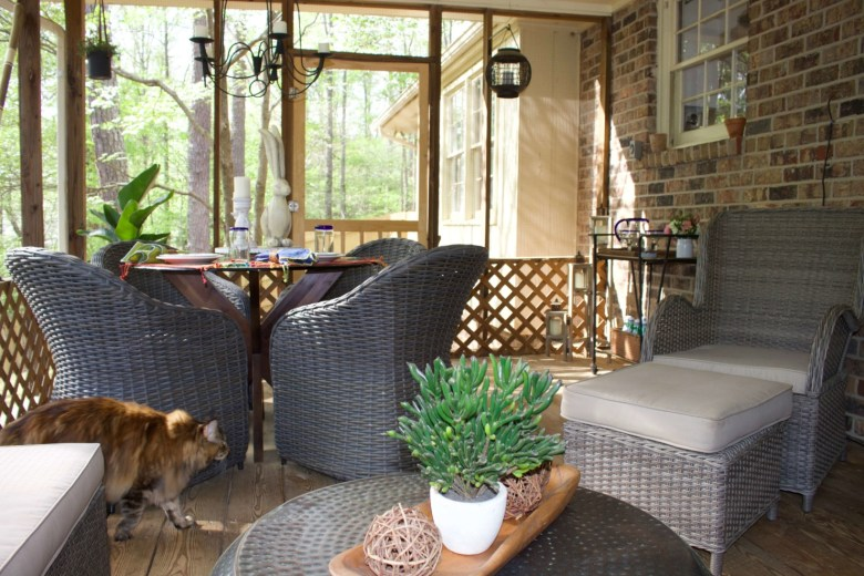 screen porch life